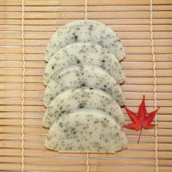 たんちょう杵つき【昆布小米とぼ餅】(着色料・添加物不使用)
