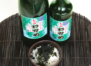 【新物出荷中】福井海産もみわかめ(粉わかめ)・4合瓶入
